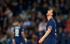 Messi im tiếng trong ngày PSG ngược dòng thắng Lyon