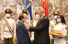 Cuba trao tặng Chủ tịch nước Nguyễn Xuân Phúc huân chương cao quý nhất
