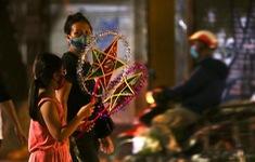 Người dân Hà Nội chuẩn bị đón Tết Trung thu đặc biệt