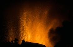 Núi lửa tiếp tục phun trào tại quần đảo Canaria, thêm nhiều người dân phải sơ tán
