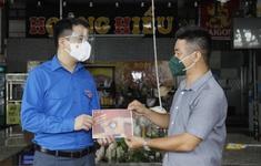 Trao 3 tỷ đồng cho các hộ kinh doanh nhỏ gặp khó vì COVID-19 ở TP Hồ Chí Minh