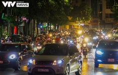 Thủ tướng: Không để tụ tập đông người sau nới lỏng giãn cách