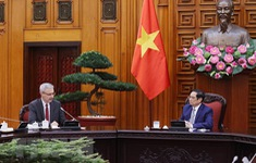 Thủ tướng đề nghị Pháp tiếp tục viện trợ, cho vay, nhượng lại vaccine COVID-19 cho Việt Nam