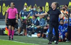 HLV Barcelona nói gì khi phải nhận thẻ đỏ?