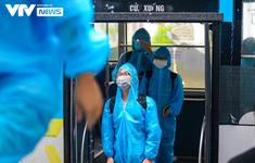 Người dân tại ổ dịch Thanh Xuân Trung trở nhà về sau 21 ngày thực hiện cách ly