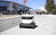 Robot giao hàng tự động tại Anh