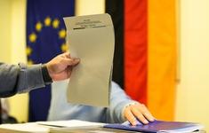 Tổng tuyển cử Đức: Phiếu gửi qua bưu điện chưa được kiểm hết, 2 đảng lớn nhất đều tuyên bố thắng cử