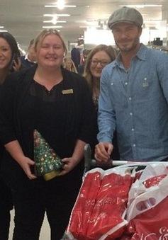 """Becks """"bụi bặm"""" đi mua đồ Giáng sinh"""