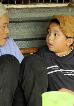 """Phim mới trên VTV9: Hoài Linh và con trai nuôi bụi đời """"hết cỡ"""""""