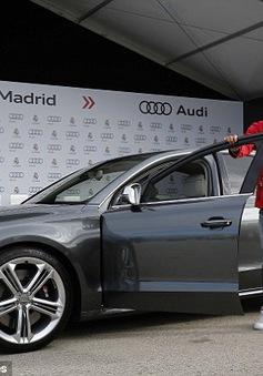 """Dàn sao Real Madrid """"hớn hở"""" với loạt xe Audi mới"""