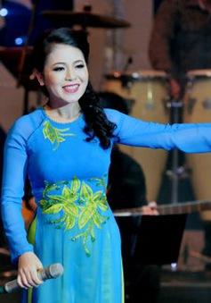 """Ca sĩ Anh Thơ lần đầu tổ chức liveshow """"Tình xa khơi"""""""