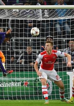 Arsenal không cùng đẳng cấp với Dortmund?