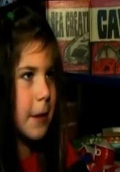 NXB lớn của Mỹ thay tựa sách vì cô bé 7 tuổi