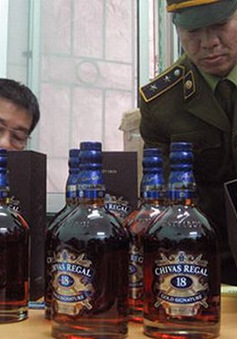 Hà Nội: Triệt phá lô rượu ngoại lậu số lượng lớn