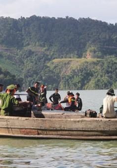 Tìm thấy thi thể đầu tiên vụ chìm xuồng ở Lâm Đồng