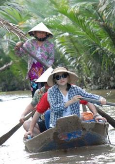 Du lịch Việt Nam nâng cao sức cạnh tranh nguồn nhân lực