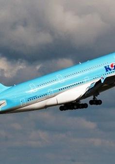 Lạ lùng bắt phi công hạ cánh để đuổi tiếp viên ra khỏi máy bay