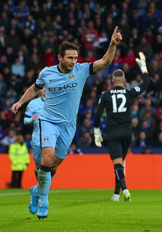 HLV Mourinho và trò cũ Lampard cùng lúc cán mốc lịch sử