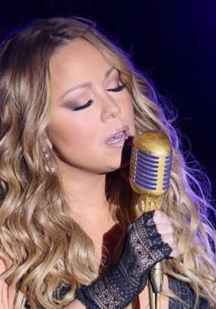 Mariah Carey bị fan chê hát dở