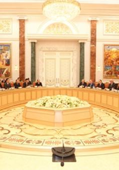 Thắt chặt quan hệ chính trị tốt đẹp với Nga và Belarus