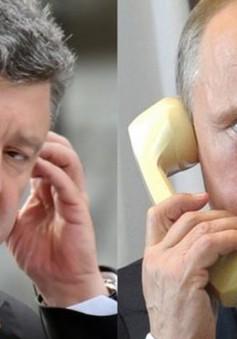 Lãnh đạo Nga, Ukraine điện đàm khi bạo lực vẫn tiếp diễn ở miền Đông