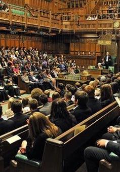 """Kinh tế khó khăn, Quốc hội Anh vẫn """"xa xỉ"""""""