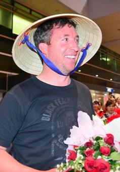 Huyền thoại của LiverpoolRobbie Fowler tới Việt Nam