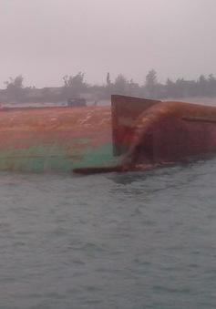 Xác định vị trí sà lan bị chìm tại Sóc Trăng