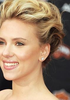 Scarlett Johansson đã chính thức làm mẹ