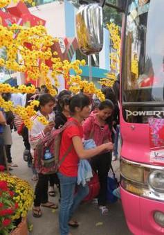 10.000 vé xe hỗ trợ công nhân các tỉnh phía Nam về quê ăn Tết