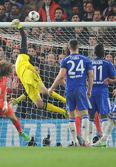 """Tuyệt phẩm ghi bàn của Thiago Silva giúp PSG """"hạ bệ"""" Chelsea"""