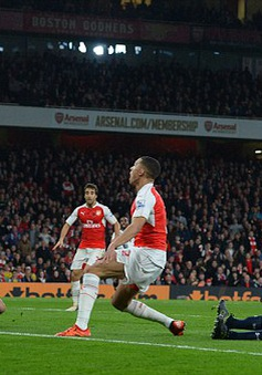 Hòa tiếc nuối Tottenham, Arsenal hụt cơ hội giành ngôi đầu