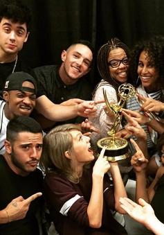 Taylor Swift giật giải Emmy sớm