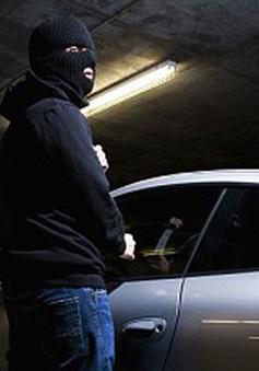 Ô tô càng hiện đại càng dễ bị... cướp
