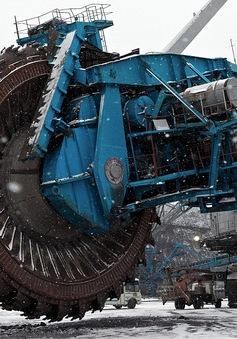Chiêm ngưỡng cưa máy khổng lồ nặng 45.000 tấn