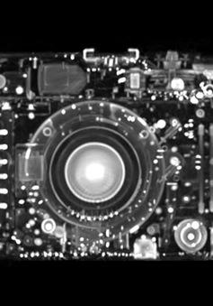 Khám phá cấu tạo máy ảnh qua hình chụp CT