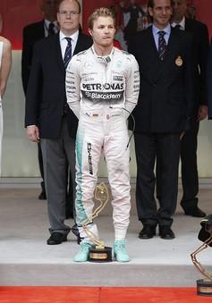 F1 Monaco GP 2015: Lewis Hamilton cay đắng để Nico Rosberg vượt mặt