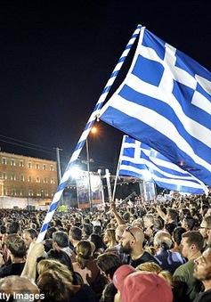 """Cử tri Hy Lạp """"thách thức"""" các chủ nợ bằng lá phiếu """"Không"""""""