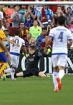 """""""Quẩy"""" qua 4 cầu thủ, Eden Hazard lập siêu phẩm vào lưới Barcelona"""