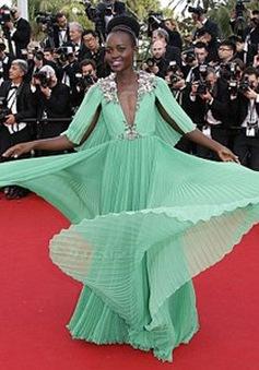 "Sao giành giải Oscar mặc ""sến"" tại LHP Cannes"