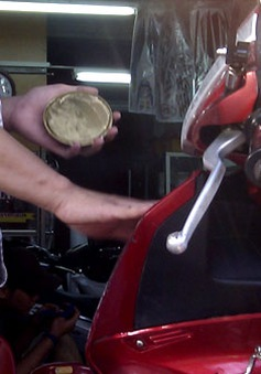 """TP.HCM: Dịch vụ tân trang xe máy Tết """"hốt"""" bạc"""