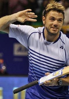 """Wawrinka cân bằng thành tích đầu mùa với """"đàn anh"""" Federer"""