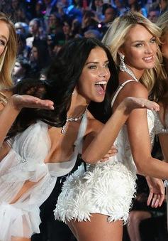 Victoria's Secret trao cánh cho 10 thiên thần mới