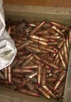 Quảng Nam: Bắt xe khách chở gần 500 đầu đạn chứa thuốc nổ