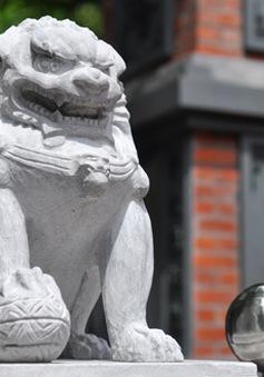 Di tích đầu tiên thay sư tử ngoại lai bằng nghê Việt