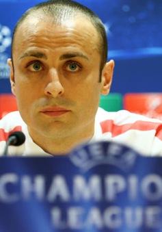 Berbatov quyết tâm giúp Monaco vượt ải Arsenal