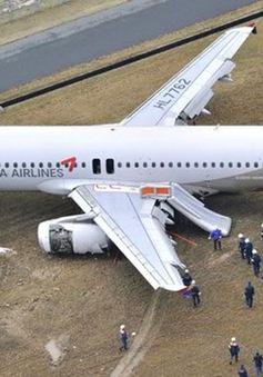 Hàn Quốc điều tra phi công sauvụ máy baytrượt khỏi đường băng