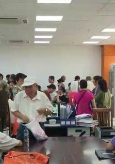 Hà Nội: Người dân B6 Giảng Võ nhận tiền tạm cư