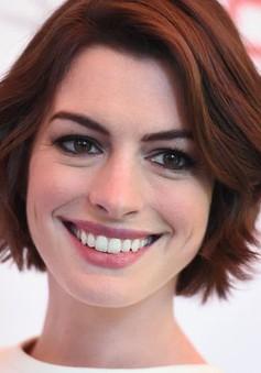 """Anne Hathaway chật vật sau """"Nhật ký công chúa"""""""