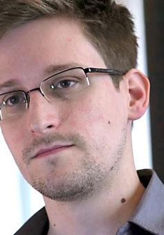 Edward Snowden tiết lộ 'thâm cung bí sử' của tình báo Anh